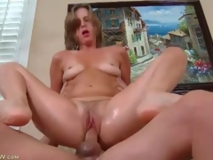 Milf twat is soaking wet as she rides his dick