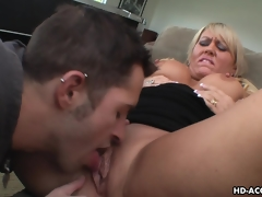 Dreamy blonde MILF enjoys wild twat stuffing